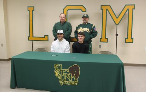 Baseball Players Sign with Colleges