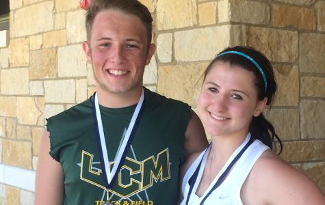 Tennis Players Advance to Regionals