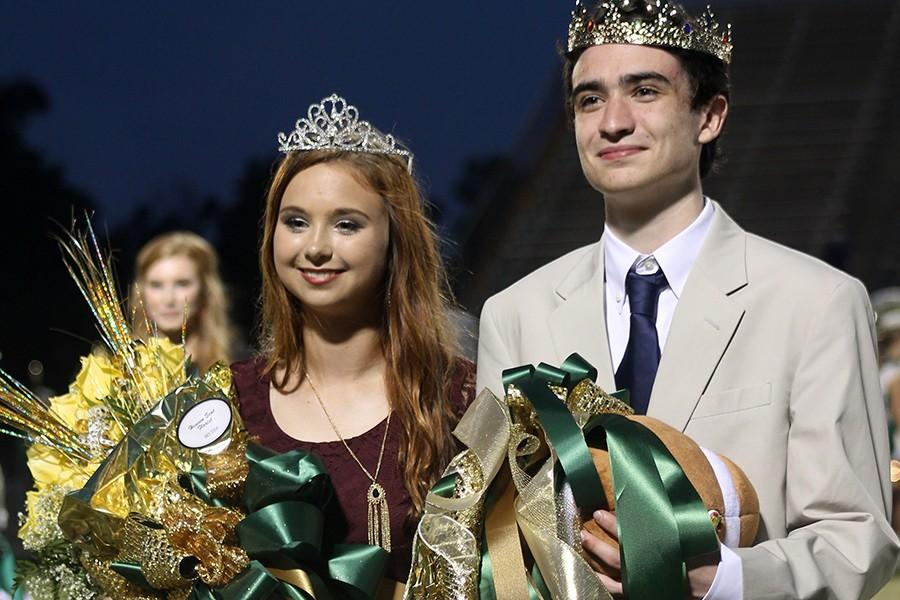 Senior+Sydney+Pierce+was+crowned+as+the+2015+Homecoming+Queen.+