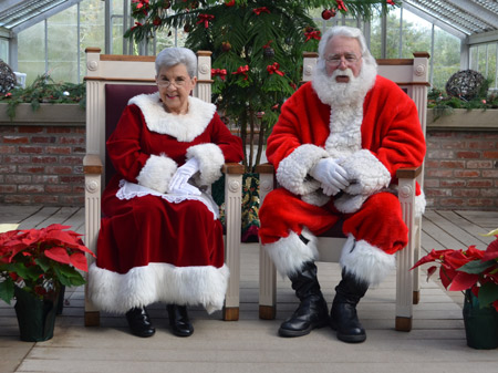 Santa and Mrs. Claus at the Festivities. Credit: Shangri-La.