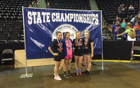 Powerlifters Advance to State