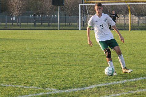 Boys soccer advances to playoffs
