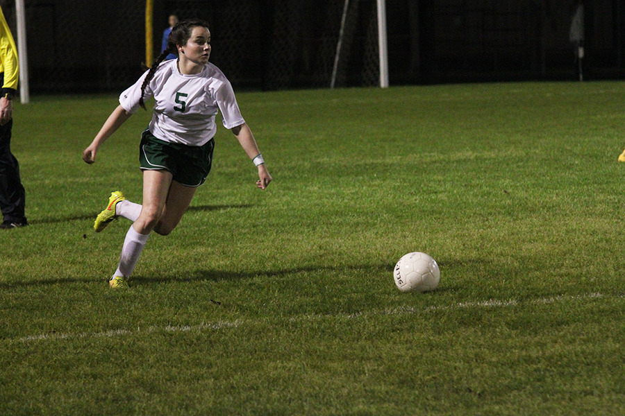 Sophomore Cassie Blackmon moves the ball for the Lady Bears.