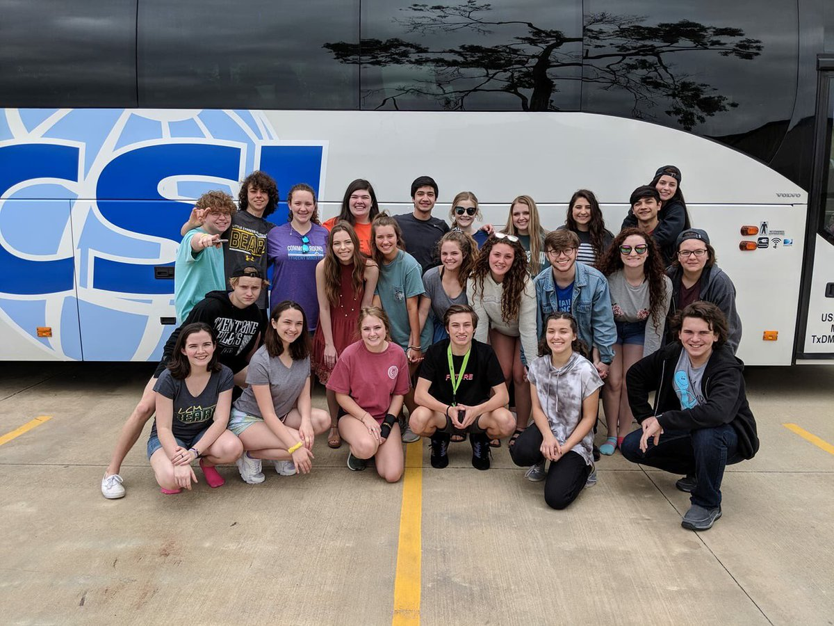 The One Act Play cast and crew gets ready to depart for State.