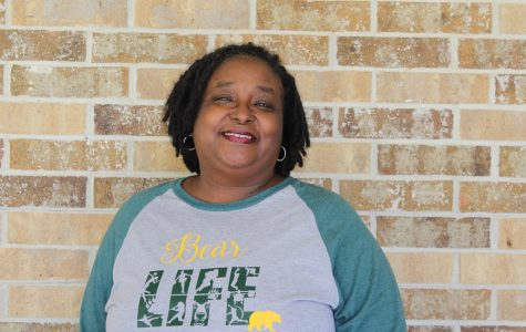 Warnell named Paraprofessional of the Year
