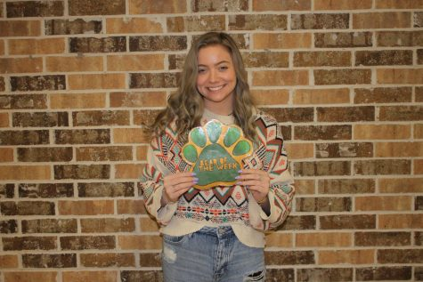 Junior Mandalyn Lewallen currently serves as the yearbook editor.