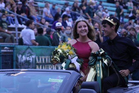 Emily Day and Traevin Nelms are crowned Homecoming King and Queen.
