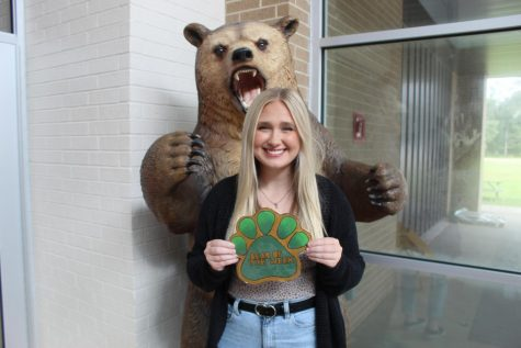 Senior Kaitlyn Ewing is involved in several different organizations and always has a smile on her face.
